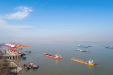 Inland waterways - Container terminal with yangtze river